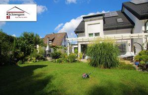 Exklusive Doppelhaushälfte mit großen wunderschönen Garten.
