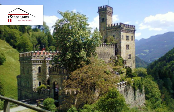 Schlossherr_in_einem_exclusiven_Hotel_Exklusiv_01